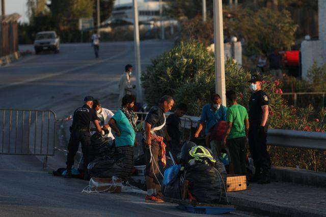 Η Γερμανία παίρνει 1.553 πρόσφυγες από τα νησιά μετά τη συνομιλία Μητσοτάκη – Μέρκελ
