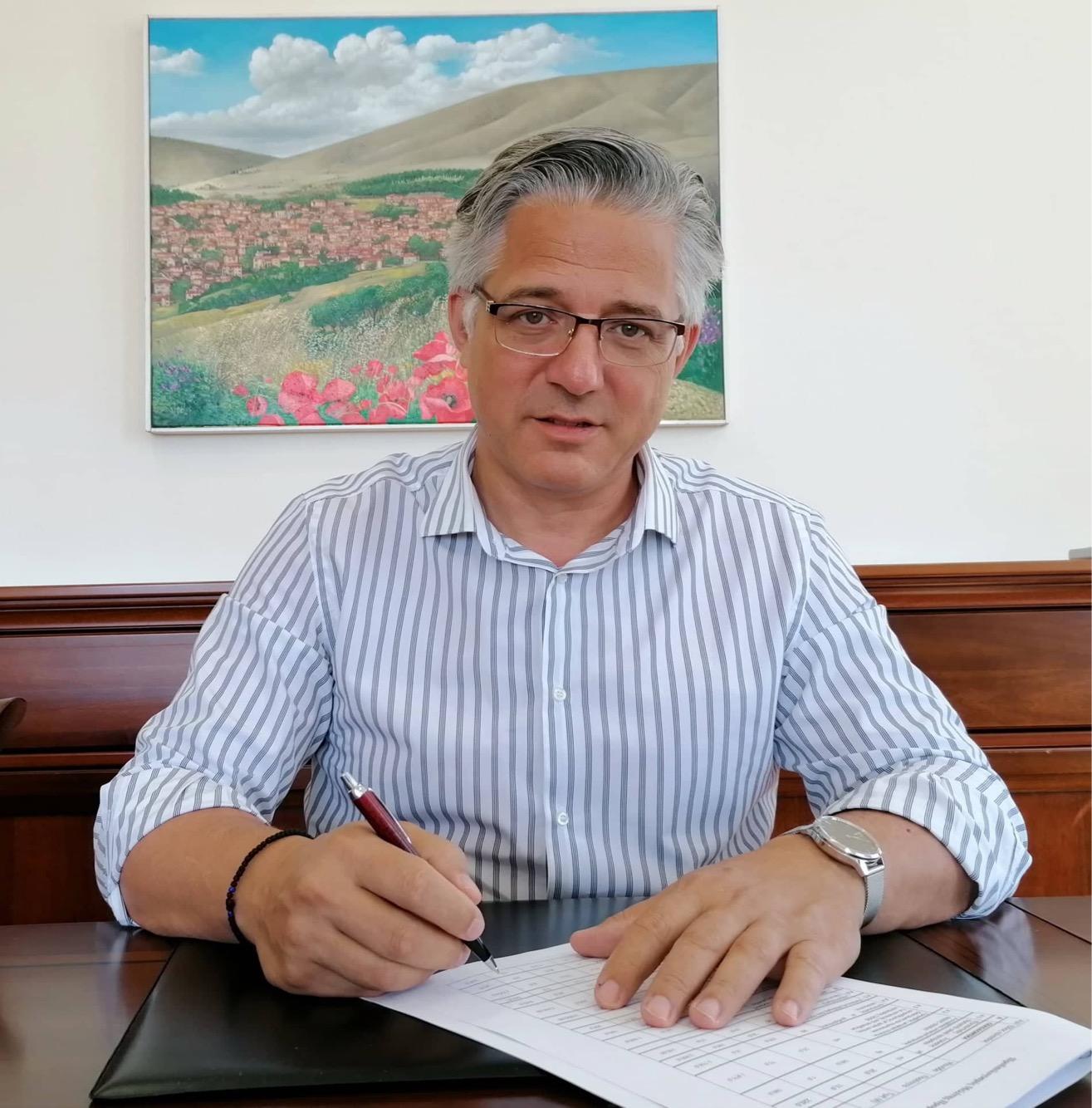 Υπογραφή συμβάσεων για την εκτέλεση έργων ύδρευσης και οδοποιίας στο Δήμο Βοΐου