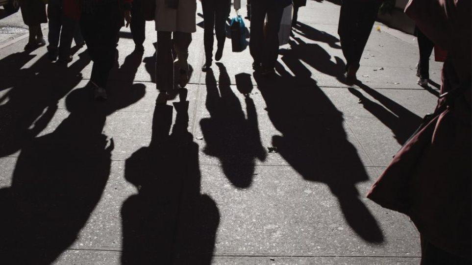 Βαρύ πλήγμα δέχτηκε η αγορά εργασίας από την πανδημία – Στο 18,3% η ανεργία τον Ιουνίο