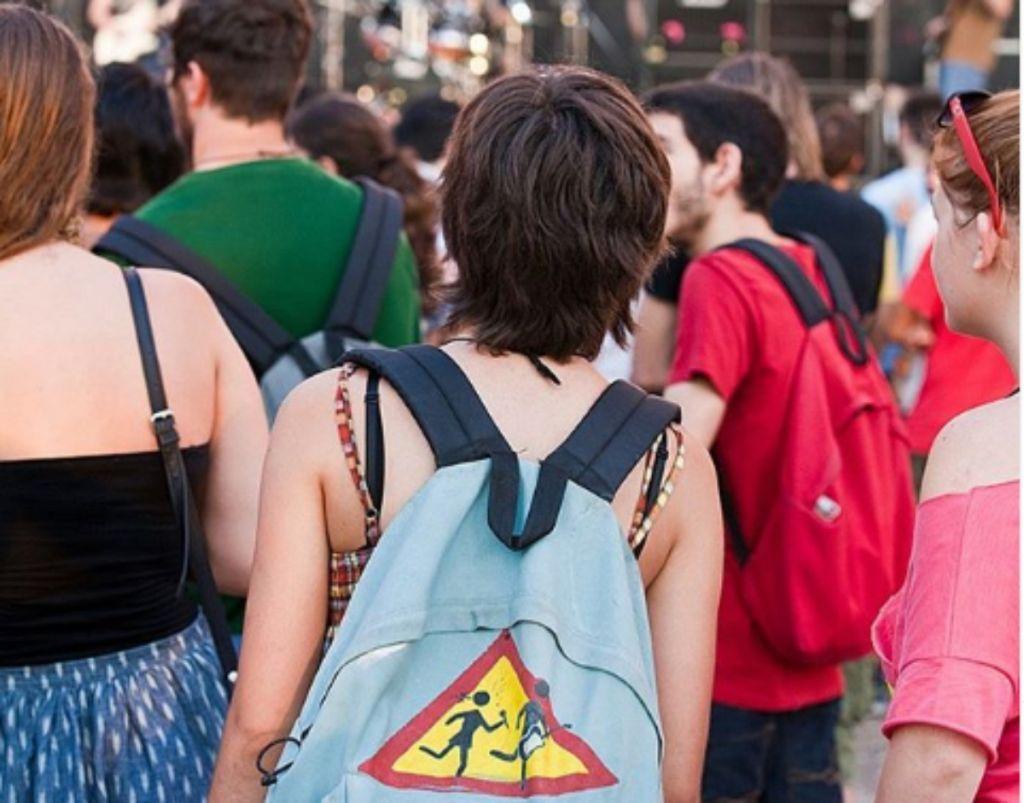 Μήπως η σχολική τσάντα είναι ένα βαρίδι για την πλάτη των μαθητών;