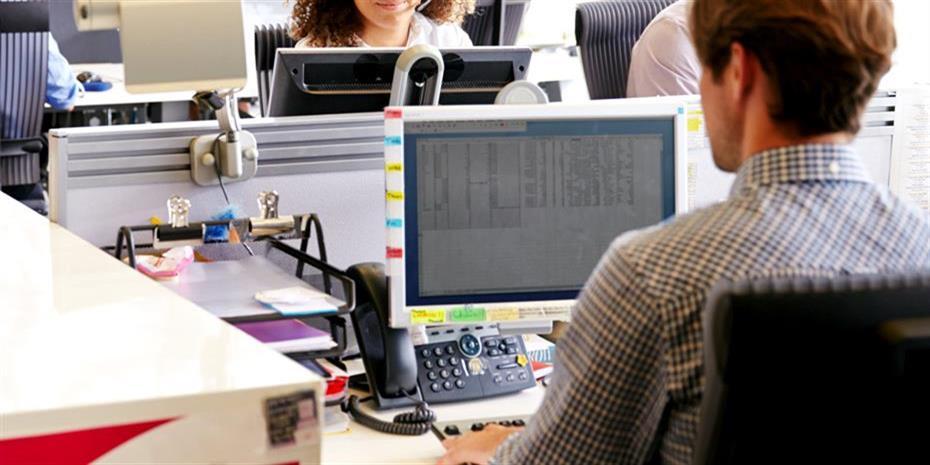 Νέες προθεσμίες στους εργοδότες για Δώρα και αναστολές συμβάσεων