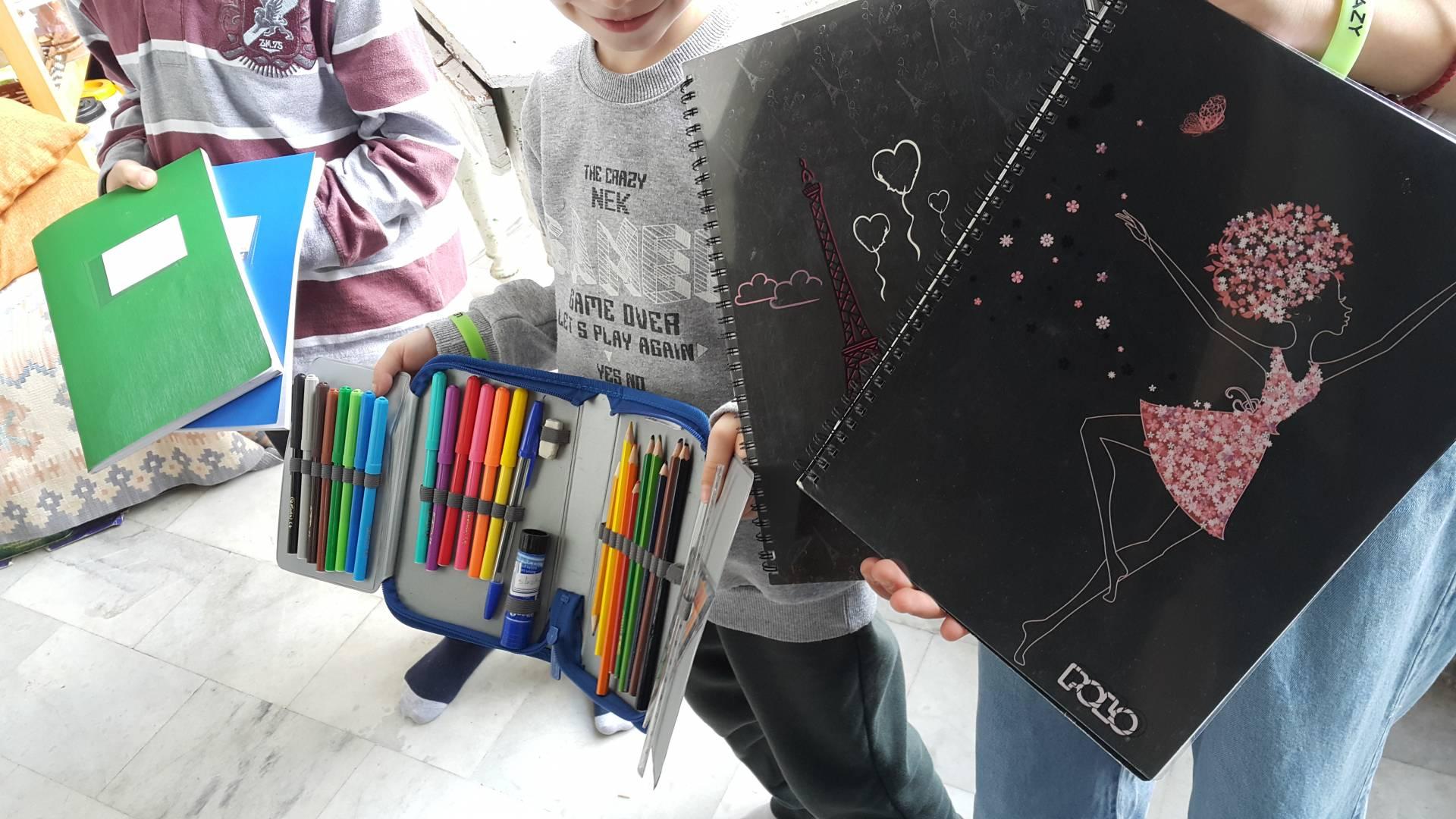 Κέντρο Νεότητας Ι.Μ. Γρεβενών: Προσφορά Γραφικής Ύλης στα παιδιά της Καρδίτσας