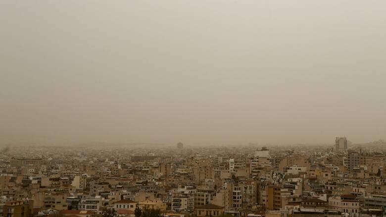 Αυξημένες οι συγκεντρώσεις σκόνης – Πού αναμένονται βροχές