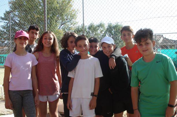 Αθλητικό Σύλλογο Αντισφαίρισης Γρεβενών: Ολοκληρώθηκετην Κυριακή 4 Οκτωβρίου τοΠρωτάθλημα JuniorγιαΑγόριακαι Κορίτσιαέως14ετών