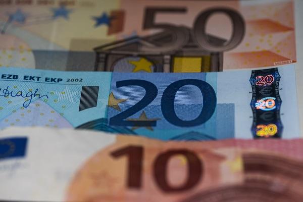 Οι ημερομηνίες πληρωμής του επιδόματος των 800 ευρώ