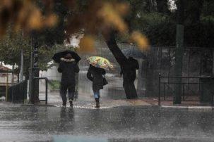 Καιρός: Εκτακτο δελτίο επιδείνωσης από την ΕΜΥ – Ερχονται βροχές, θυελλώδεις άνεμοι και πτώση θερμοκρασίας
