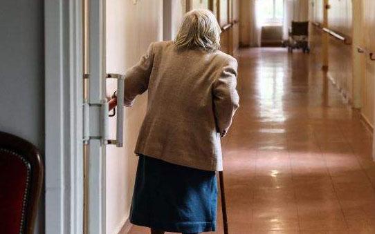 Υπεραιωνόβια Κερκυραία 102 ετών νίκησε τον κορωνοϊό: «Λεβεντιά η γιαγιά, Σουλιώτισσα», λέει η νύφη της