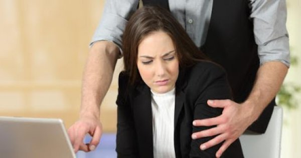 Το 85% των γυναικών στην Ελλάδα έχει υποστεί σεξουαλική παρενόχληση στον χώρο εργασίας