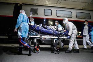 Κορωνοϊός: Τριπλό αρνητικό ρεκόρ με 3.316 κρούσματα κορωνοϊού – 50 νεκρούς, 310 διασωληνωμένους