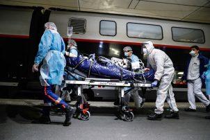 Κορωνοϊός: 916 νέα κρούσματα -96 θάνατοι, 527 διασωληνωμένοι