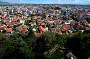 Συναγερμός στα Tρίκαλα: 35 κρούσματα κορωνοϊού στα Μεγάλα Καλύβια
