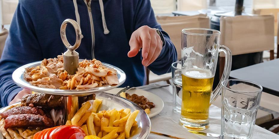 Κλειστές αγορές κυνηγούν οι εταιρείες catering για να βρουν τζίρο