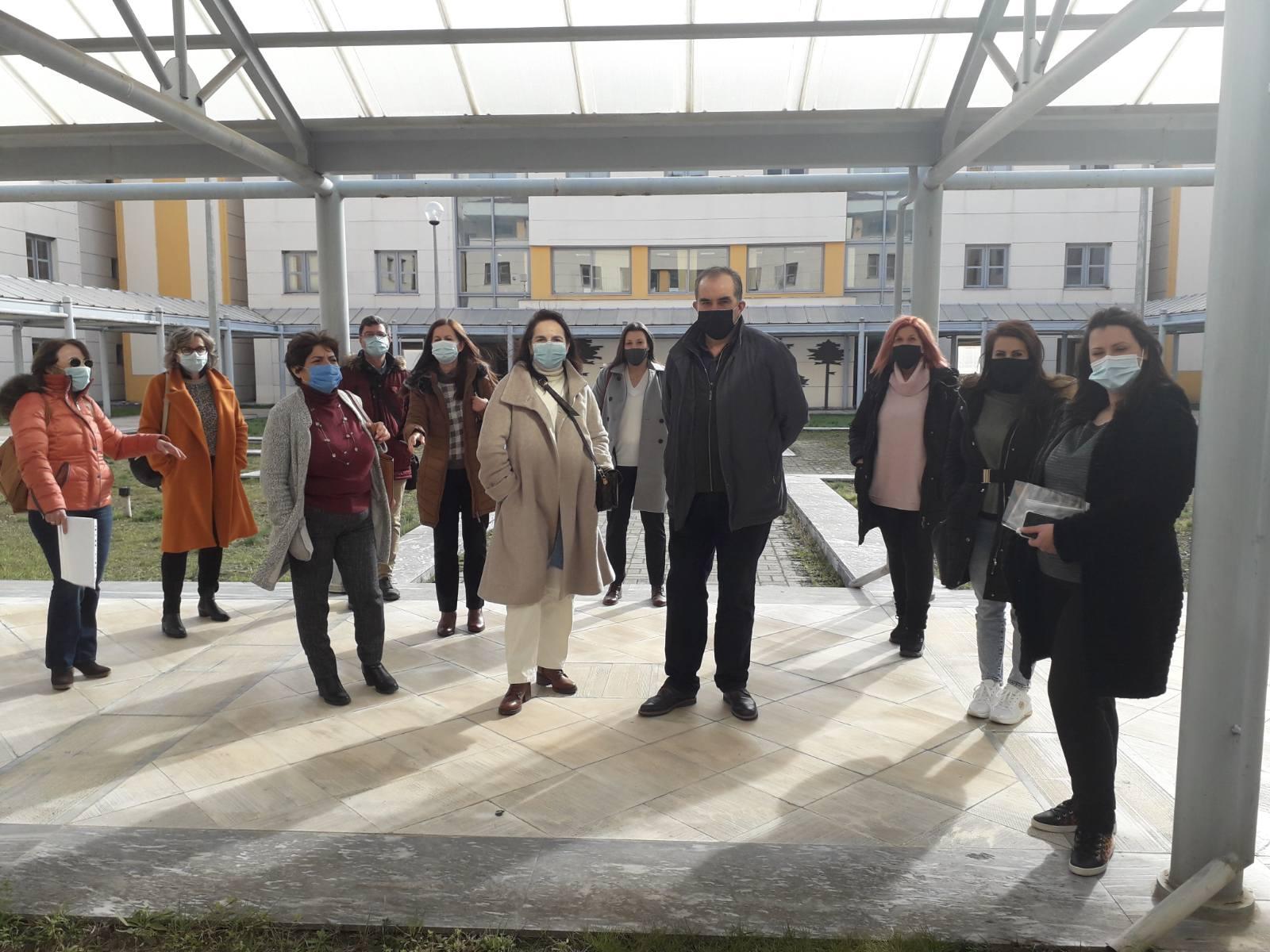 Παράσταση διαμαρτυρίας από τον Σύλλογο Δασκάλων Νηπιαγωγών Γρεβενών για το ωράριο αποχώρησης των νηπίων – προνηπίων