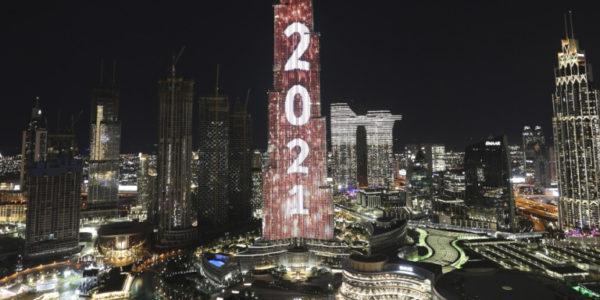 Το Ντουμπάι πληρώνει τα ρεβεγιόν – Στα ύψη τα κρούσματα, αναστέλλονται όλα τα πάρτι