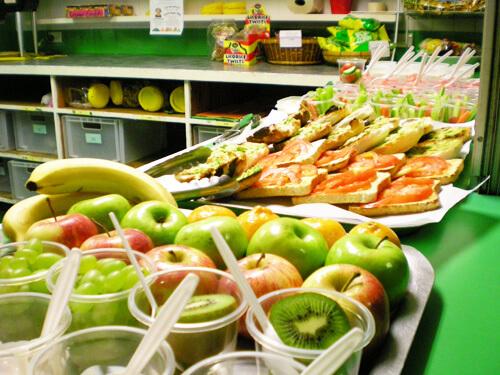 ΒΙΟΚΑΝΤΙΝΕΣ: Τοπικά βιολογικά τρόφιμα στα σχολικά κυλικεία μέσω URBACT