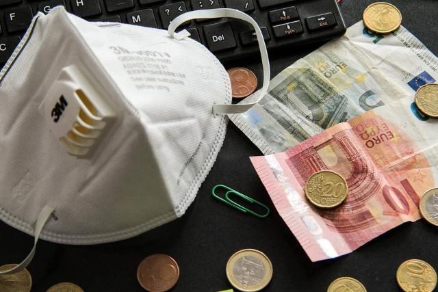 Ξεκίνησαν πληρωμές 60 εκατ. ευρώ σε 800.000 εργαζόμενους και επαγγελματίες