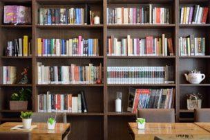 5+2 τρόποι για την αναδιοργάνωση της βιβλιοθήκης χωρίς κόπο (Φωτογραφίες)