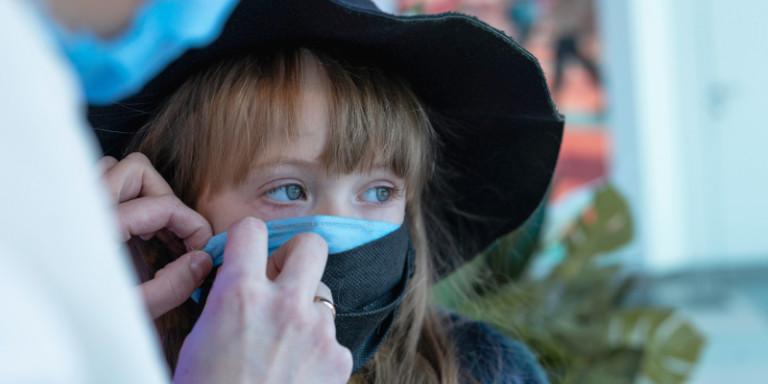 Εξαδάκτυλος: Tι ισχύει για διπλές και υφασμάτινες μάσκες- Πότε θα δούμε αποτελέσματα από το lockdown