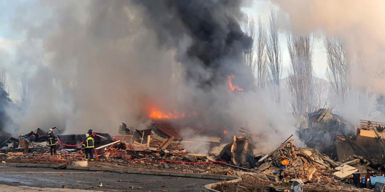 Καστοριά: Εικόνες απόλυτης καταστροφής μετά την έκρηξη που γκρέμισε το 4όροφο ξενοδοχείο