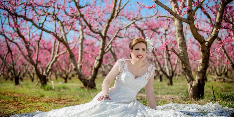 Έρχονται από το εξωτερικό στην Ελλάδα για να βγάλουν γαμήλιες φωτογραφίες σε μια… απρόσμενη αλλά πανέμορφη γωνιά της χώρας