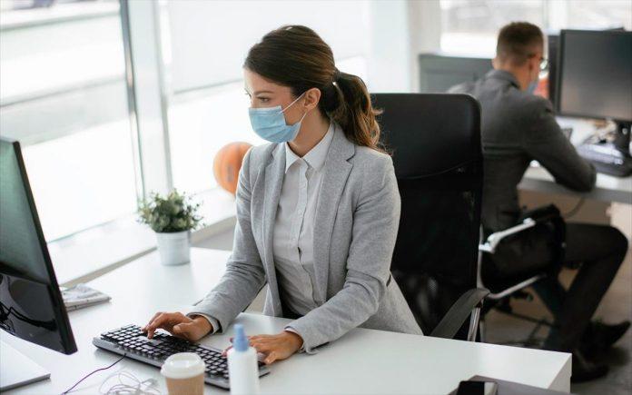 ΙΝΕ ΓΣΕΕ: Μείωση των ωρών εργασίας και των μισθών έφερε η πανδημία