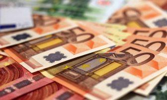 Ολα τα μέτρα για να πέσει «ζεστό» χρήμα στην αγορά – Ποιοι και πόσα θα πάρουν