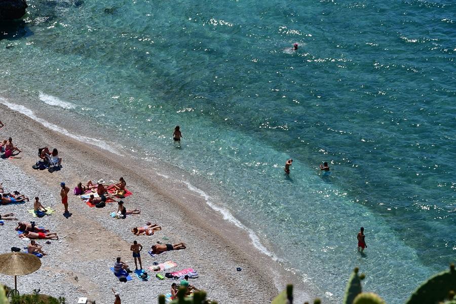 Ποιες ελληνικές παραλίες πήραν Γαλάζια Σημαία για το 2021