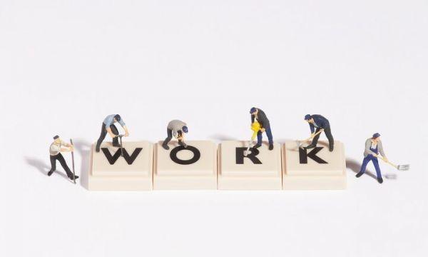 ΠΟΥ: Η πολλή δουλειά τρώει τον αφέντη – Πόσες ώρες εργασίας αυξάνουν τον κίνδυνο θανάτου