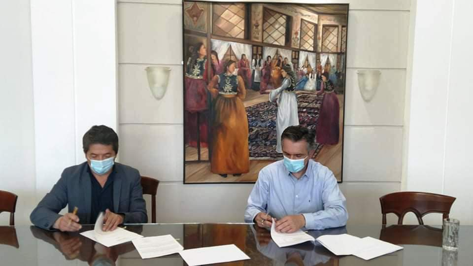 Υπεγράφη η Προγραμματική  Σύμβαση για την Πιστοποίηση του Καστοριανού Μελιού ως προϊόν Π.Γ.Ε. από τον Περιφερειάρχη Δυτικής Μακεδονίας Γιώργο Κασαπίδη.