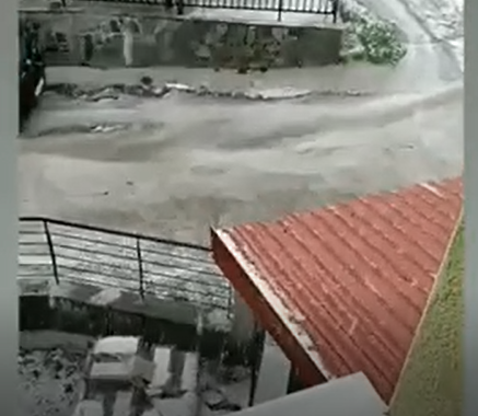 Ισχυρή χαλαζόπτωση στην Σαμαρίνα και σε άλλα ορεινά χωριά της περιοχής *Βίντεο από τον Δήμο Ρόβα