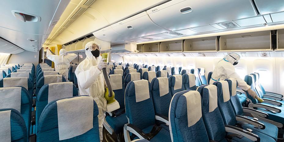 ECDC: Ποιοι μπορούν να ταξιδέψουν αεροπορικώς χωρίς τεστ