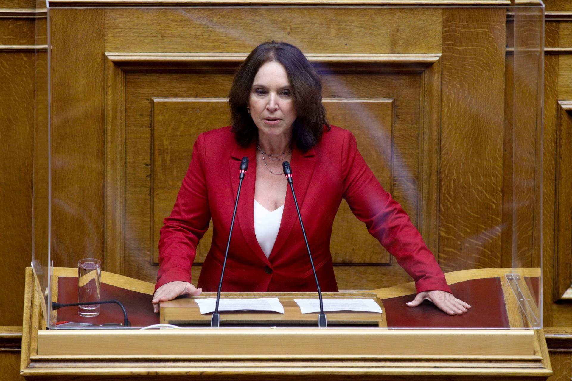 Καλλιόπη Βέττα:Η αυτοδιοίκηση δεν θα παραμείνει για πολύ όμηρος της ΝΔ και των πελατειακών της επιδιώξεων– Κοινοβουλευτική ομιλία για την αλλαγή του εκλογικού νόμου