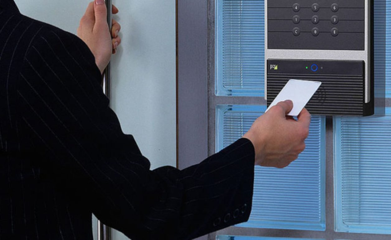 Έρχεται η ψηφιακή κάρτα εργασίας