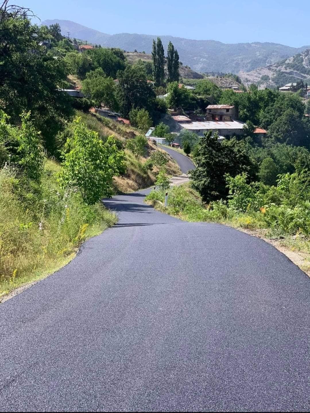 """Ζευκλής Χρήστος: """"Ασφαλτόστρωση εσωτερικού οδικού δικτύου στην περιοχή του Πενταλόφου"""" (Φωτογραφίες)"""