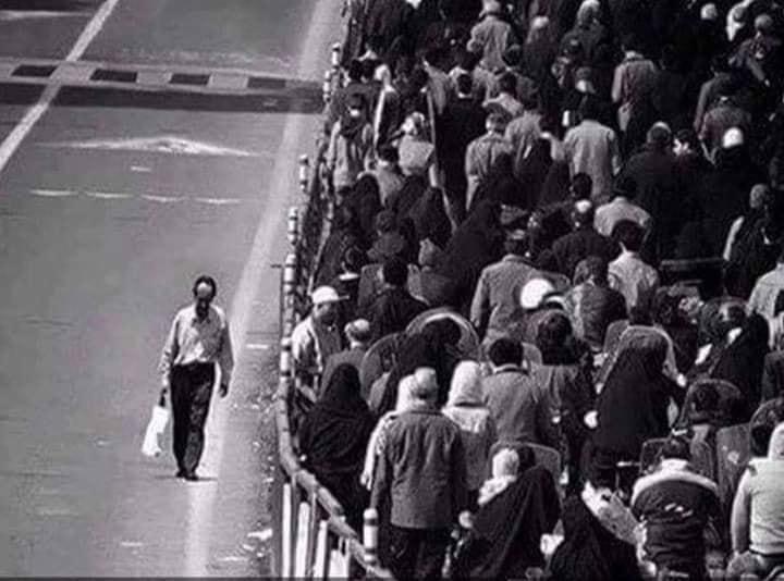 …Καλύτερα να Πορεύεσαι Μόνος σου…παρά με το Πλήθος που Πορεύεται…σε Λάθος Κατεύθυνση…*Του Ευθύμη Πολύζου
