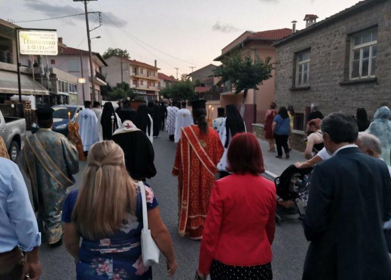 Τσοτύλι: Πρόστιμο 1.500 ευρώ σε ιερέα για τη λιτανεία της Αγίας Μαρίνας