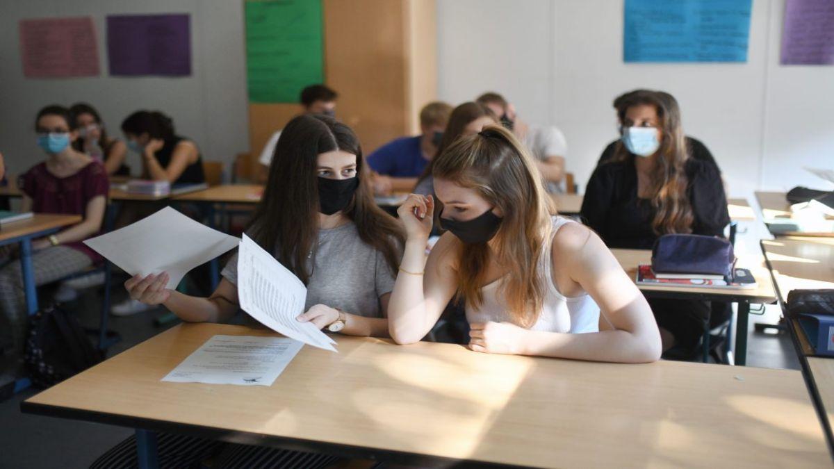 Κοροναϊός: Χρήση μάσκας και καλό εξαερισμό για το άνοιγμα των σχολείων