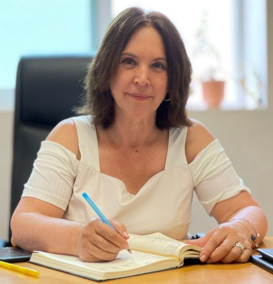 Καλλιόπη Βέττα: Στην ανακύκλωση, όπως παντού, η κυβέρνηση προωθεί τα συμφέροντα των μεγάλων ιδιωτικών εταιριών