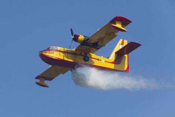 Αεροναυπηγός για τα εναέρια μέσα πυρόσβεσης: Τι εμποδίζει τις ρίψεις