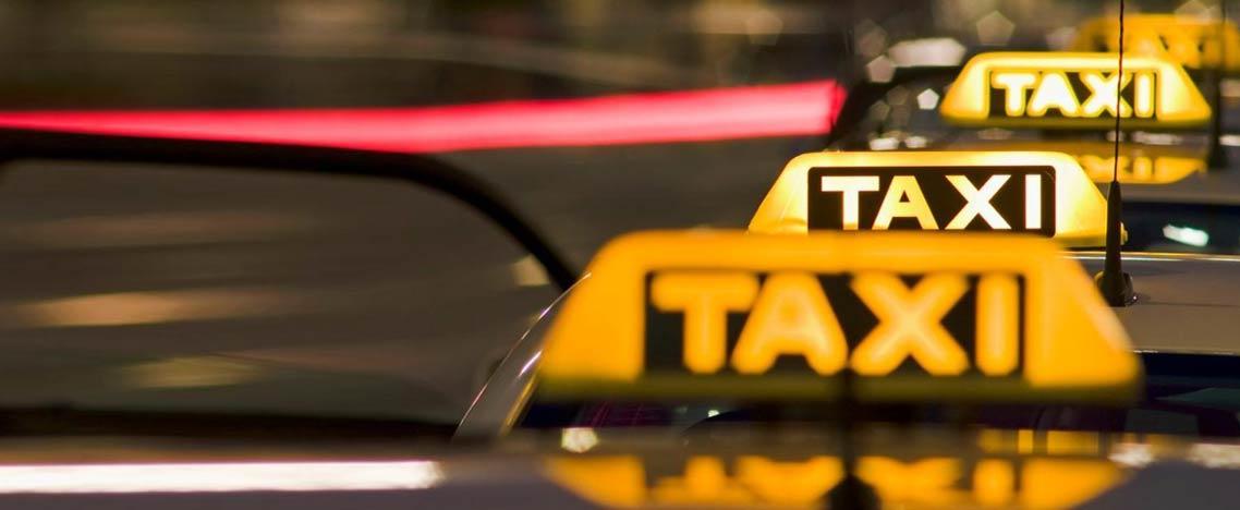 Πώς μπορεί να βρει κανείς κάτι που έχει ξεχάσει σε ταξί ή λεωφορείο; Οδηγοί περιγράφουν απίστευτες ιστορίες