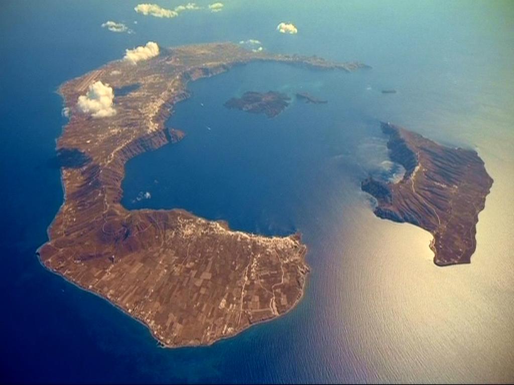 Σαντορίνη: Υποθαλάσσιες γεωτρήσεις στα ηφαίστεια – Παγκόσμιο επιστημονικό ενδιαφέρον για την «Ατλαντίδα»