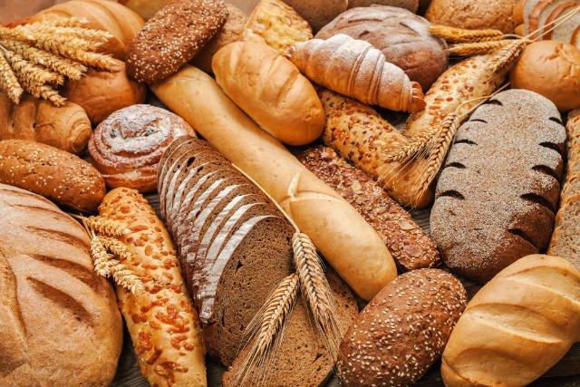 Προβληματισμένοι οι φουρνάρηδες των Γρεβενών για την τιμή του ψωμιού. Ένα κιλό σιτάρι 20-22 λεπτά. Ένα κιλό αλεύρι 50-55 λεπτά. Ένα κιλό ψωμί 360 λεπτά