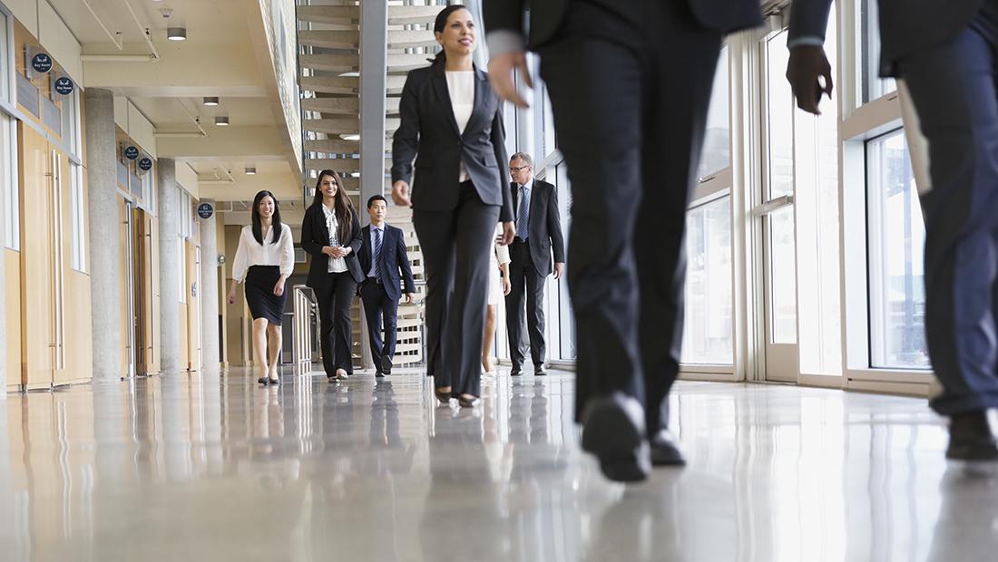 Εργασιακός νόμος: Νέο τοπίο σε άδειες, διαλείμματα και αργίες