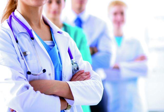 Σε αναστολή 5.035 ανεμβολίαστοι υγειονομικοί- Γκάγκα: «Έρχονται προσλήψεις»