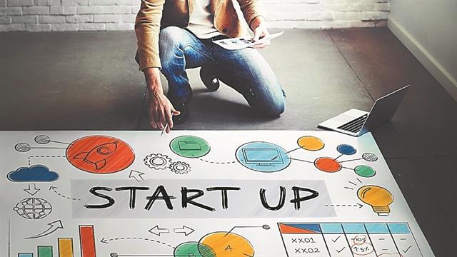 Χατζηδάκης: 15.000 ευρώ σε 4.000 νέους για δημιουργία startups