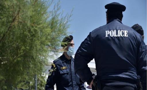 Πέτσας: Τεράστιο θέμα οι ανεμβολίαστοι στην αστυνομία