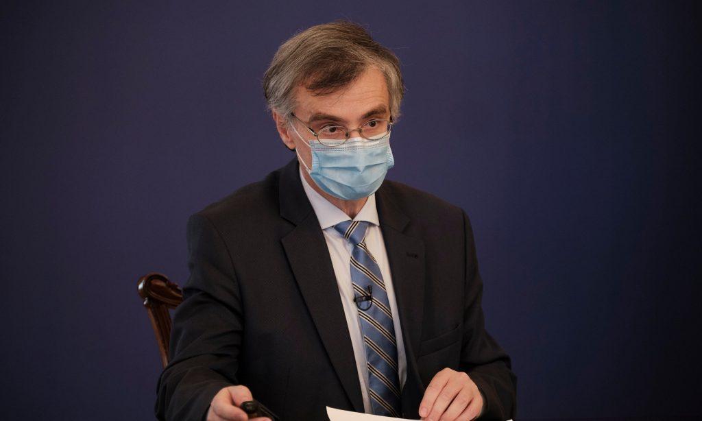 Ερχονται αλλαγές στην επιτροπή των λοιμωξιολόγων- Προς παραίτηση ο Αρκουμανέας από τον ΕΟΔΥ