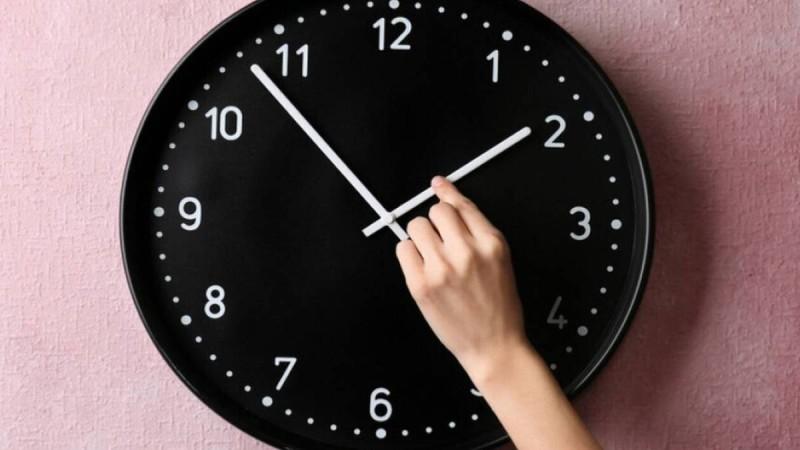 Αλλαγή ώρας 2021 – Πότε γυρνάμε τα ρολόγια μας μια ώρα πίσω