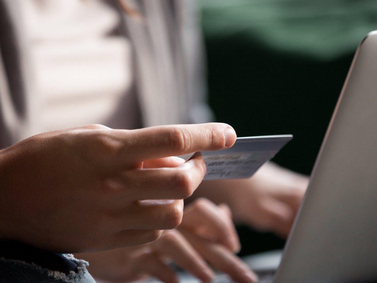 Πώς κλέβουν χρήματα από τις καταθέσεις»: Συναγερμός σε τράπεζες και ΕΛ.ΑΣ. για το phishing